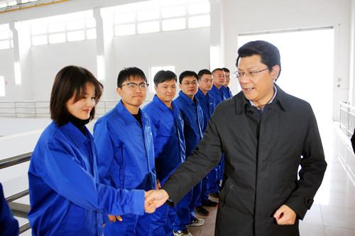 无锡市当局副市长、江阴市委布告王进健一行来公司走访慰劳